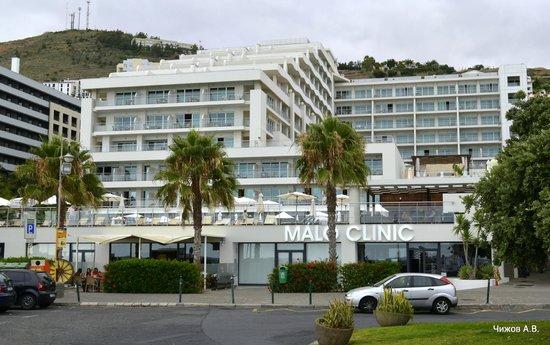 Melia Madeira Mare Resort & Spa: Вид с набережной