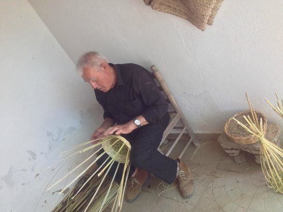Riosultravel Tours: execução de cestaria com canas
