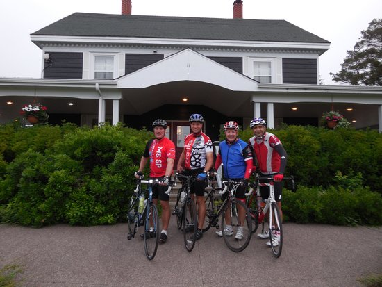 Ceilidh Country Lodge: Cabot Trail Cycling - Ceilidh Inn and Finish