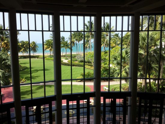 Margaritaville Vacation Club Wyndham Rio Mar: View from the lobby