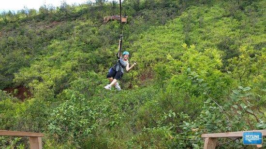 Skyline Eco-Adventures Zipline Tours: zipping