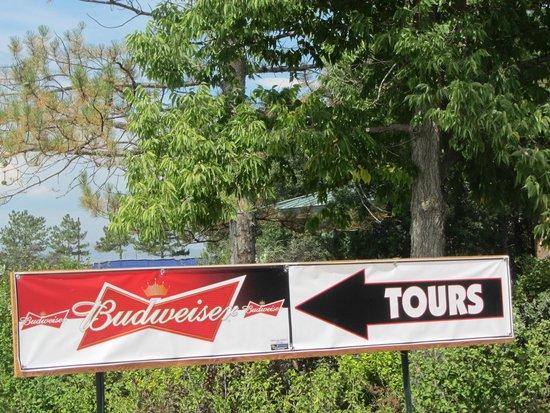 Budweiser Brewery Tours: sign