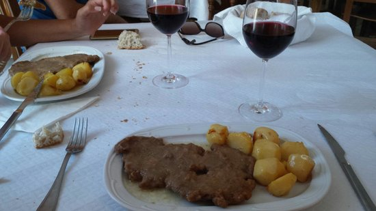 Arzua, Spanyol: Carne a la media hora: IMPRESIONANTE