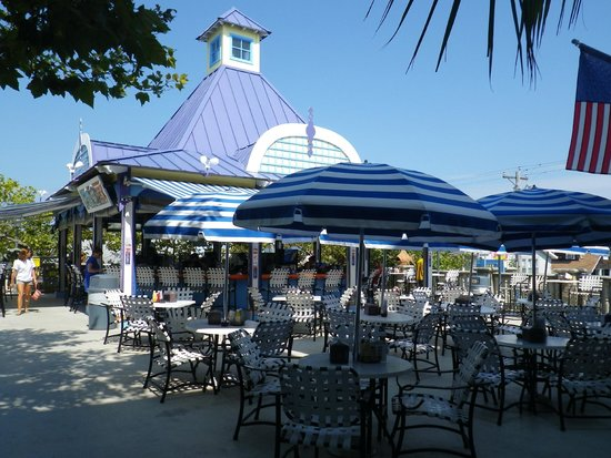 Plim Plaza Hotel: Caribbean Pool Bar