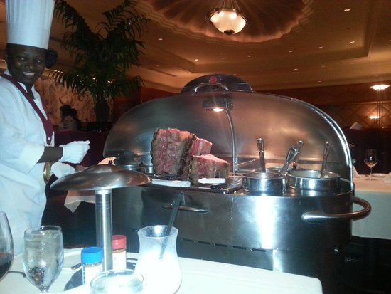 Lawry's The Prime Rib: now that's service!