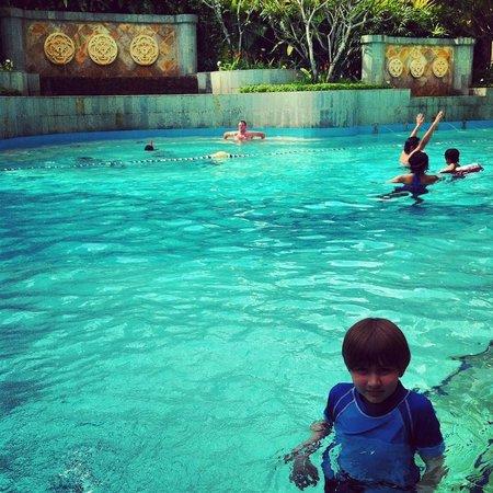 Shangri-La Hotel Kuala Lumpur : pool