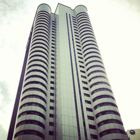 Shangri-La Hotel Kuala Lumpur : view from pool