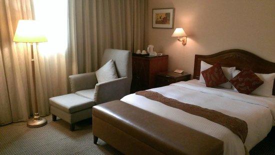 Shin Shih Hotel: old room