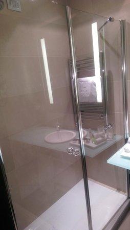 NH Collection Milano President: Salle de bain