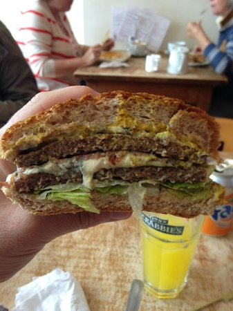 The Wooden Deli : Double Blues Burger
