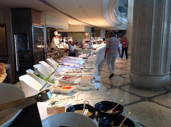 Waldorf Astoria Shanghai on the Bund: Breakfast buffet