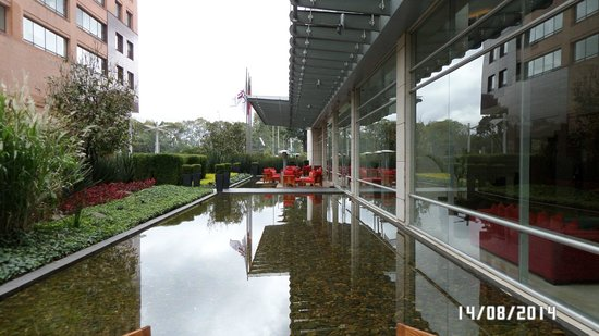 JW Marriott Hotel Bogota: EXTERIOR-