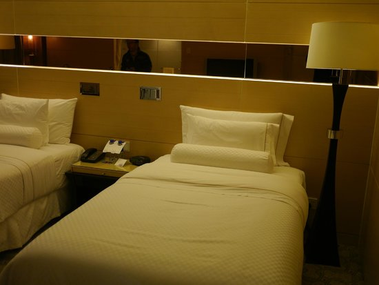 The Westin Bund Center Shanghai: Grand Deluxe room (Twin Bed)