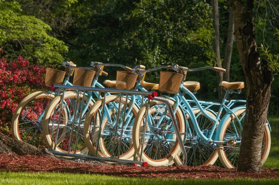Antebellum Inn: Enjoy a ride on one of our complimentary bicycles