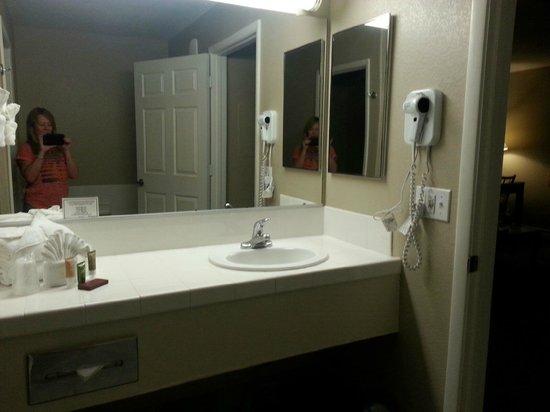 Tuscany Suites & Casino : Bathroom