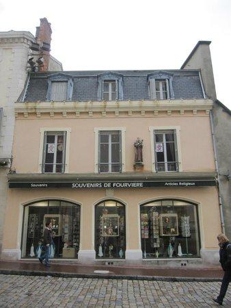 Colline de Fourvière : Tienda de recuerdos