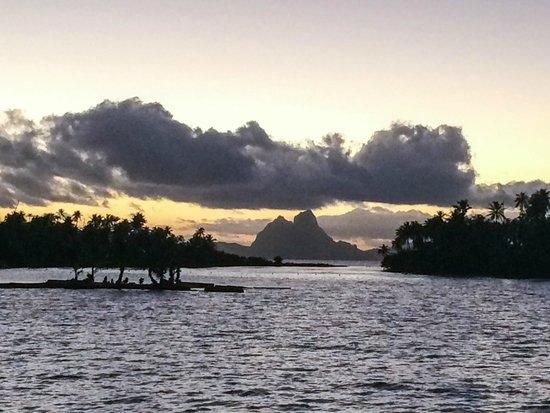 Le Taha'a Island Resort & Spa: VISTA DE BORA BORA