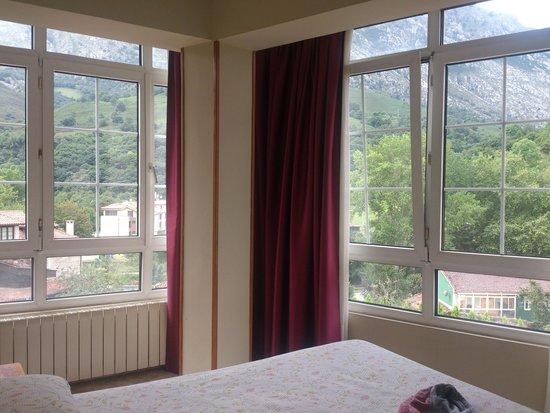 Hotel Naranjo de Bulnes: Vistas habitación