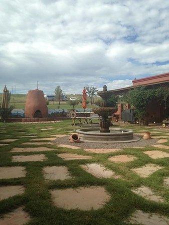 La Hacienda de Sonoita: courtyard