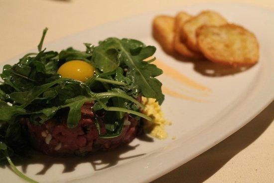 Council Oak Steaks & Seafood : Filet Mignon Tartare