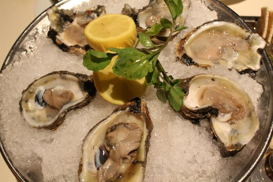 Council Oak Steaks & Seafood : Blue Point Oysters
