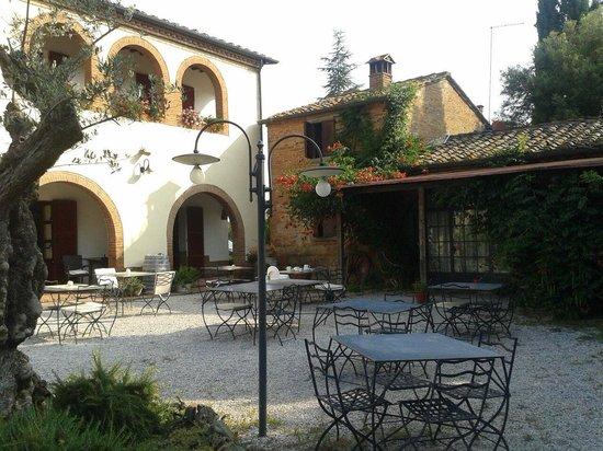 La Bandita Hotel Siena: Agosto 2014-cortile (2)