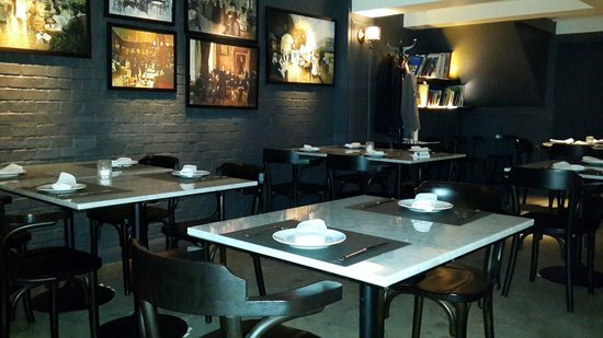 Vesper Cocktail Bar and Restaurant: Vesber main dining room