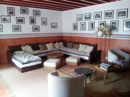 Dar Al Manar: Salotto