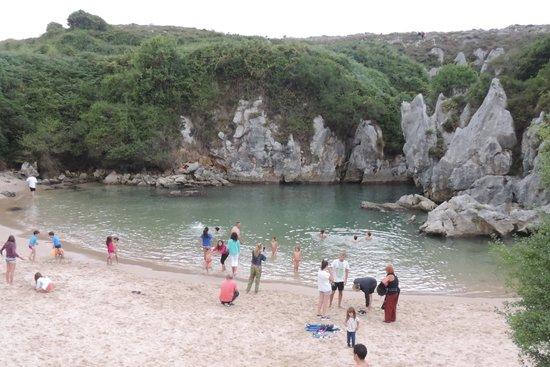 Playa de Gulpiyuri: maravillosa
