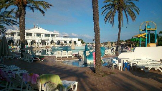 Grupotel Mar de Menorca: Pool Area