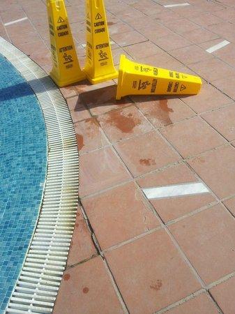 H10 Sentido Playa Esmeralda : Despues de la caída el arreglo que hicieron