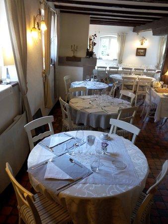La Cour de Lise : le restaurant