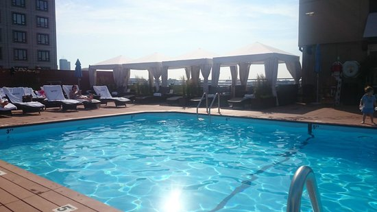Colonnade Hotel: Rooftop pool with new decking
