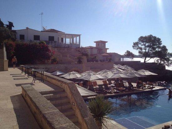 Hospes Maricel Mallorca & Spa: Piscina y zona exterior
