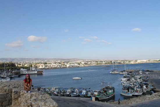 Paphos Harbour Castle : Вид на Пафос с крепости