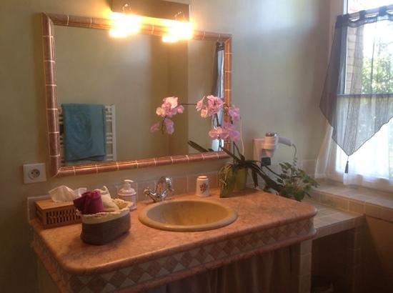 Les Cles du Verdon : ванная комната в двухместном номере делюкс