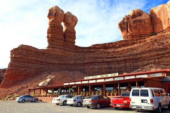 Twin Rocks Trading Post Bluff Utah Picture Of Desert Rose