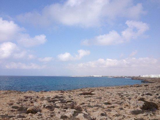 Panas Holiday Village: Если вам сказали , что там пляж хороший . Это не правда , его там нет