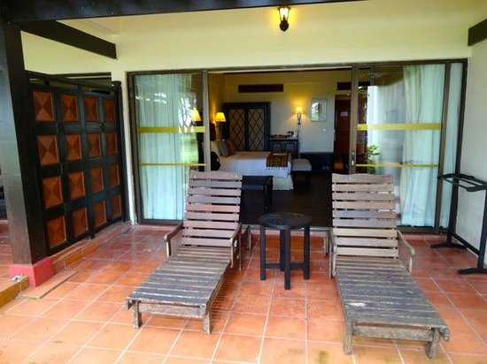 Nexus Resort & Spa Karambunai: terrasse chambre 7112