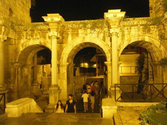 Oscar Boutique Hotel: hadrian's gate