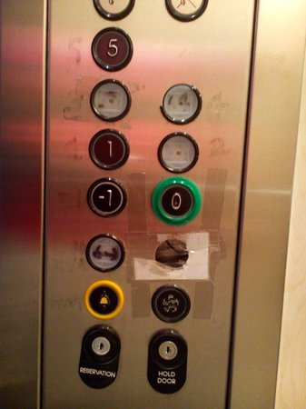 MStay Hotel 43: Is this the Lift or?!!!