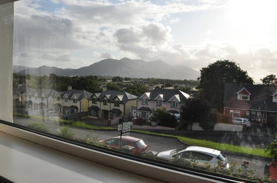 Chelmsford House Lakes of Killarney: the view from our room of the Kerry Mountains