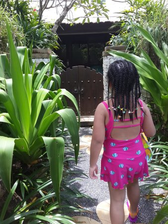 Novotel Bali Benoa : the entrance to our room.....