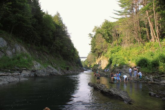 Quechee Gorge: You can't help but get into the water!