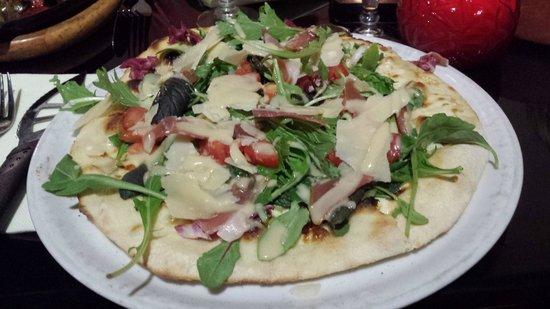 La Girandole: Pizza Salade