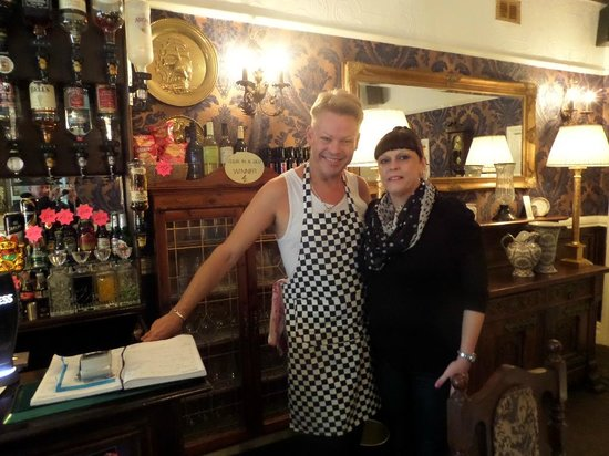 The Edenfield Guest House: Craig and Jane in the Dining Room/Bar