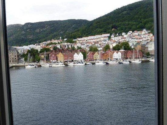Clarion Hotel Admiral: une vue idéale sur Bryggen de la chambre