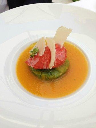 Epicure : TOMATES ANCIENNES  tartare de « green zebra » au thym citron,  jus de « tomate ananas », sorbet