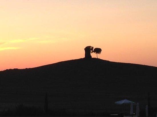 Relais Sant'Elena: tramonto dalla camera 14 con vista sulla torre