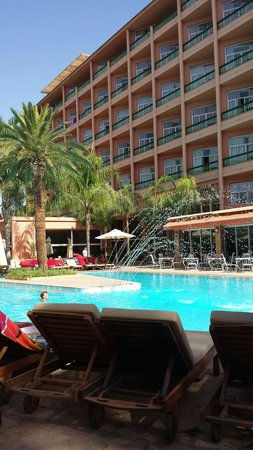Es Saadi Marrakech Resort - Hotel: vue piscine